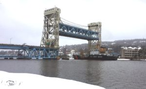 portage-lake-lift-bridge-winter